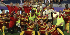 fort-lauderdale-strikers-celebration-vs-orlando-city-2016-300x150