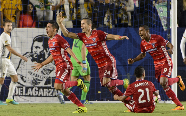 FC Dallas celebrate the game-winning goal in extra time stoppage time against the LA Galaxy in the 2016 US Open Cup Semifinals. Photo: FC Dallas