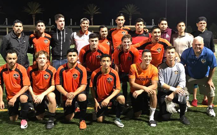 The Santa Ana Winds pose for a team photo before their 2018 US Open Cup qualifying match against Newcastle United. Photo: Santa Ana Winds