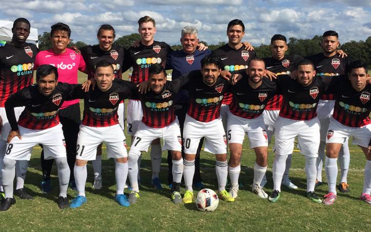 NTX Rayados pose for a team photo in 2018. Photo: Tito Salas