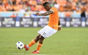 Romell Quioto of the Houston Dynamo strikes a free kick that would produce the first goal of the game in a 4-2 win over Sporting KC in the 2018 US Open Cup Quarterfinals. Photo: Houston Dynamo