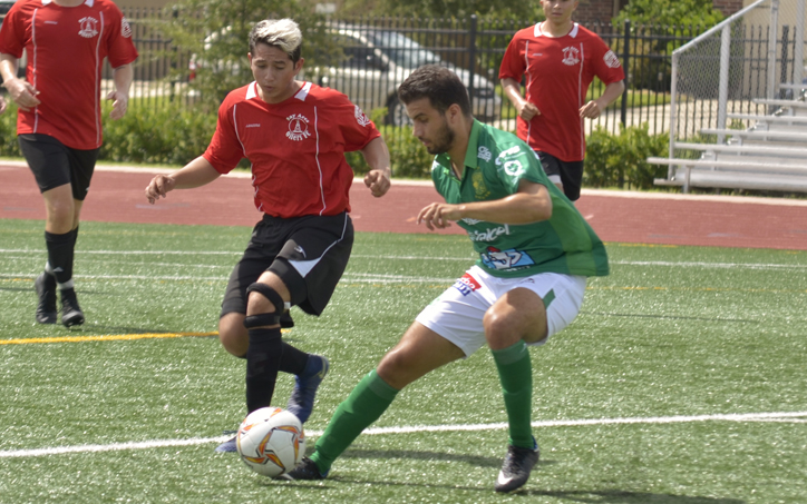 Players from Leon FC (green) and Bay Area Oilers battle for the ball in a 2019 US Open Cup qualifying match. Photo: Jose Castellanos Twitter @Vos_Castellanos, IG @FutbolAndBrews
