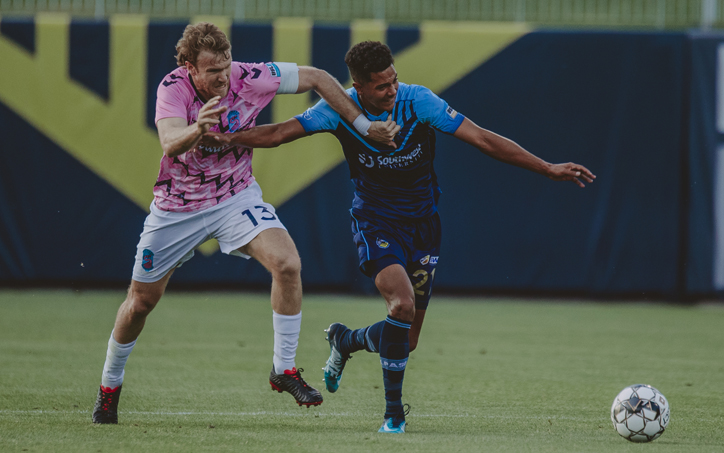 Players from Forward Madison (left) and El Paso Locomotive battle for the ball in their Second Round match in the 2019 US OpenCup. Photo: El Paso Locomotive