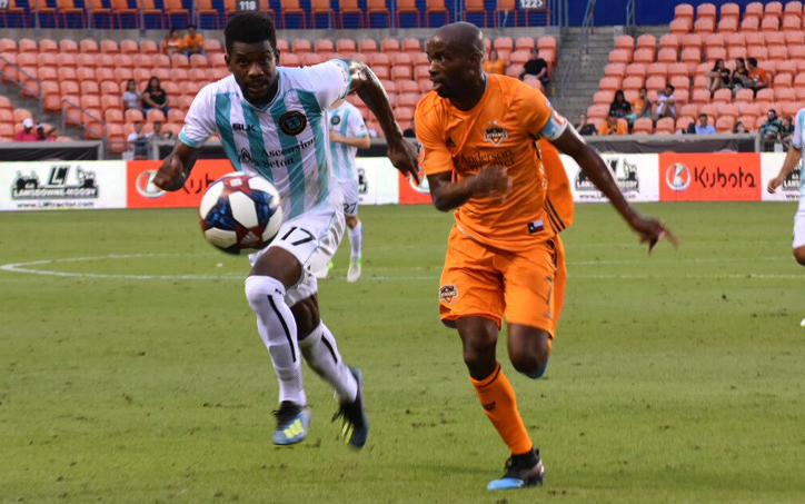 DaMarcus Beasley of the Houston Dynamo plays the ball against the Austin Bold FC in the Fourth Round of the 2019 US Open Cup. Photo: Jose Castellanos || Twitter, IG: Vos_Castellanos