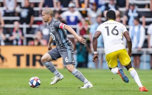 Osvaldo Alonso of Minnesota United FC dribbles the ball against New Mexico United in the Quarterfinals of the 2019 US Open Cup. Photo: Minnesota United FC