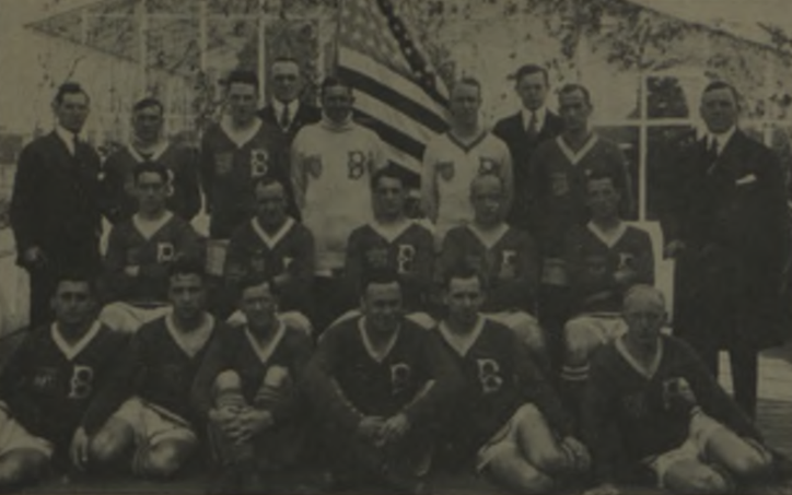 A team photo of the Bethlehem Steel in 1919 ahead of their tour of Sweden. Photo: Spaulding Guide