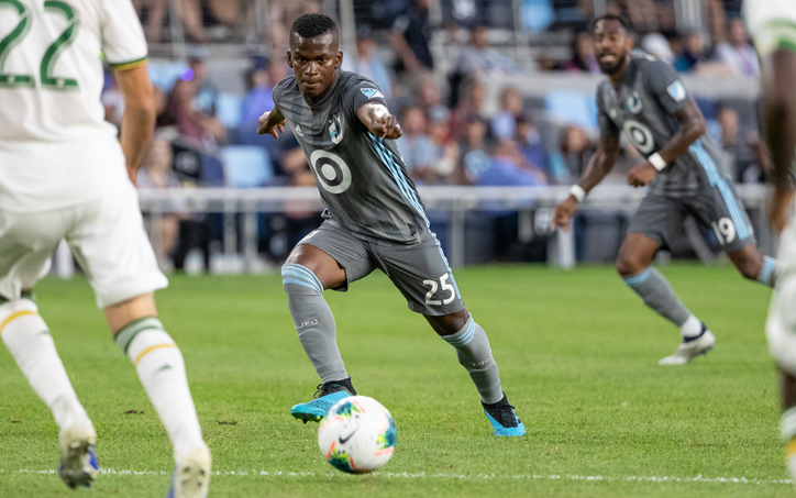 Darwin Quintero of Minnesota United FC dribbles against the Portland Timbers in the Semifinals of the 2019 US Open Cup. Photo: Minnesota United FC